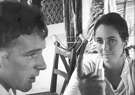 Elizabeth-Taylor-and-Richard-Burton